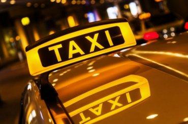Пьяный таксист стрелял в индуса на Петроградке