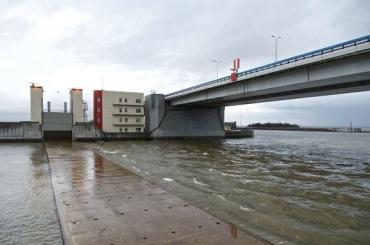 Дамбу вПетербурге закроют из-за угрозы наводнения