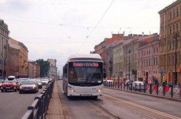 Крестный ход изменит маршруты автобусов вПетербурге