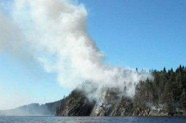Как 150 добровольцев все лето тушили пожары наостровах Ладоги