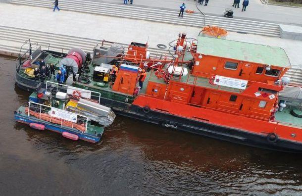 Экологическая катастрофа настигла сразу две реки вПетербурге