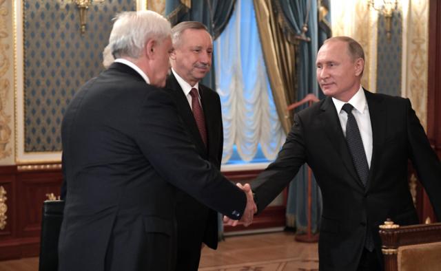 Владимир Путин поблагодарил Георгия Полтавченко заработу губернатором Петербурга