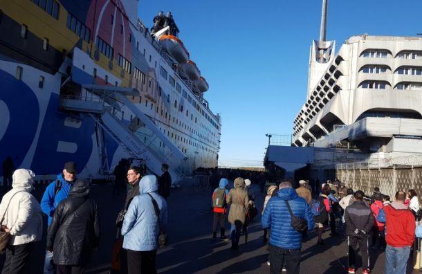 Эвакуировали Морской вокзал вПетербурге