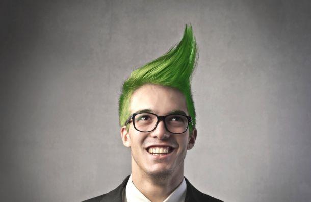 Школьника сзелеными волосами непустили наДень учителя