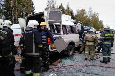 Число погибших ваварии под Тверью выросло до13 человек
