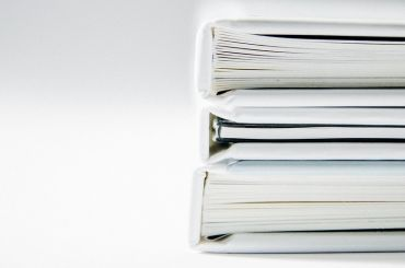 Подведомственные Смольному организации обязали переписать документы закупок
