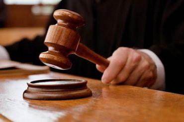 Два петербургских полицейских украли упетербурженки вещей намиллион