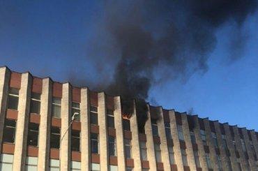 Спасатели эвакуировали тысячу человек изофиса «Ростелекома»