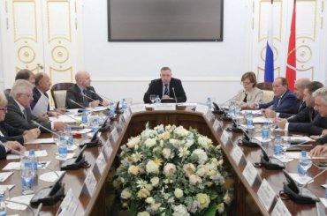 Беглов обсудил вСмольном развитие местного самоуправления