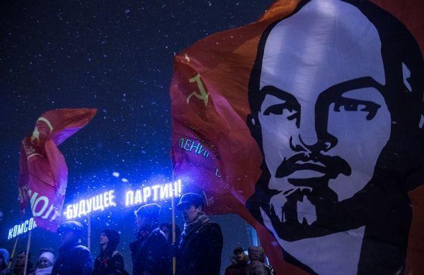 Смольный отказал КПРФ отмечать годовщину революции около «Авроры»