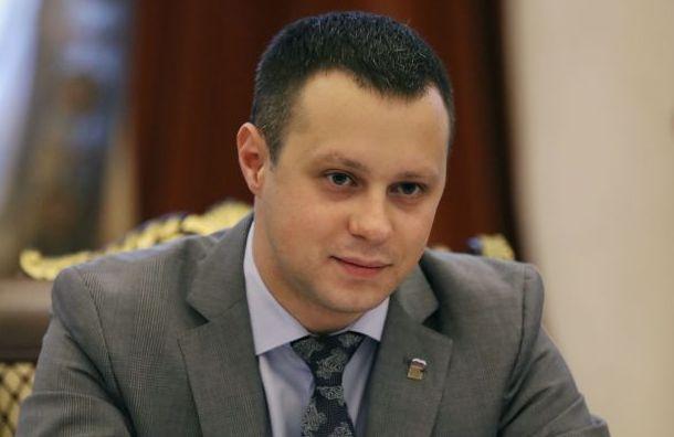 Депутаты хотят заставить брать наработу молодых истарых
