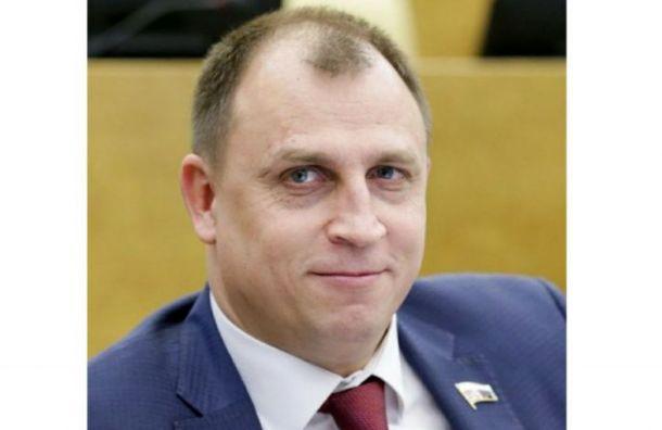 Депутат Госдумы посоветовал людям свысшим образованием идти вмаляры
