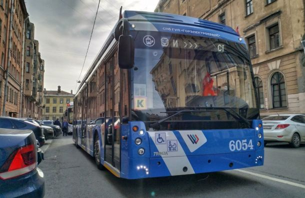 Электробусы изменят движение вПетербурге ввыходные