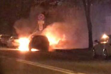 Автомобиль BMW полыхал наКондратьевском шоссе