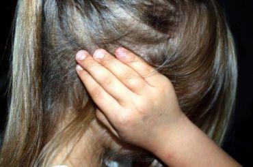 Старший брат развращал сестренку вКрасном Селе