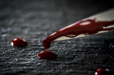 Ножом поголове получил петербуржец запопытку лечь вобуви накровать