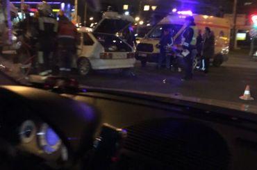 Спасатели извлекали водителя измашины после ДТП вКировском районе