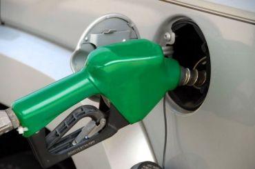 АЗС скрыто начали повышать цены набензин для корпоративных клиентов