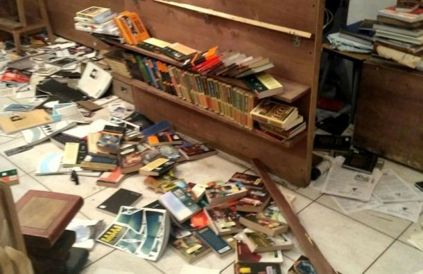 Мужчина стопором разгромил книжный магазин наМаяковского