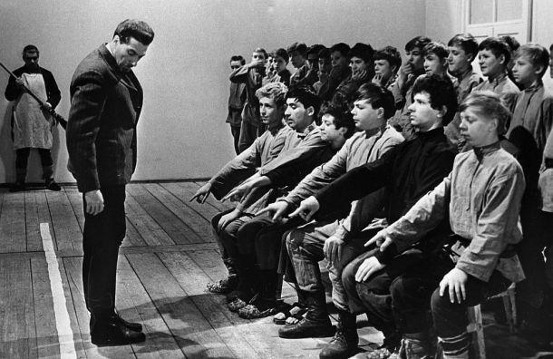 Школьника изПетербурга грозят отчислить засоздание профсоюза