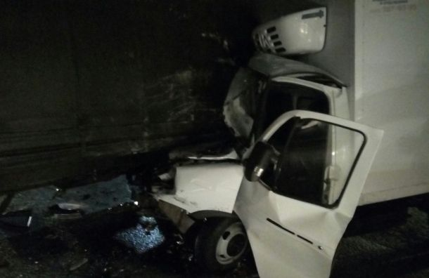 НаМосковском шоссе образовалась пробка из-за ДТП сфурой