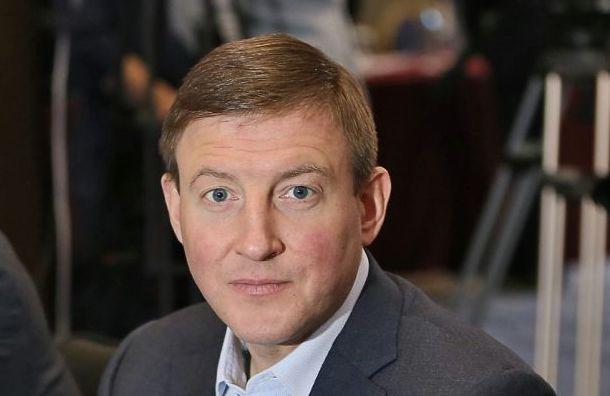 Единороссы выйдут изпартии навремя разбирательств дел окоррупции