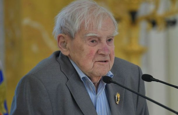 Выставку «Идущий нагрозу» откроют вПетербурге к100-летию Гранина