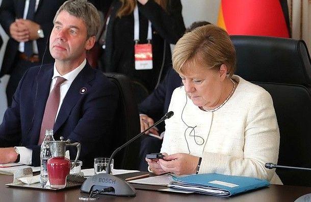 Меркель поддержала продление санкций вотношении России