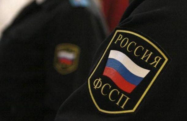 Более 70 тысяч петербуржцев невыпустят наНовый год заграницу