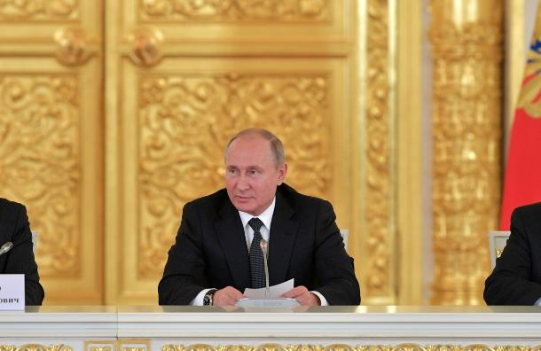 Путин обаресте правозащитника Пономарева: «Мыжене хотим, как вПариже»