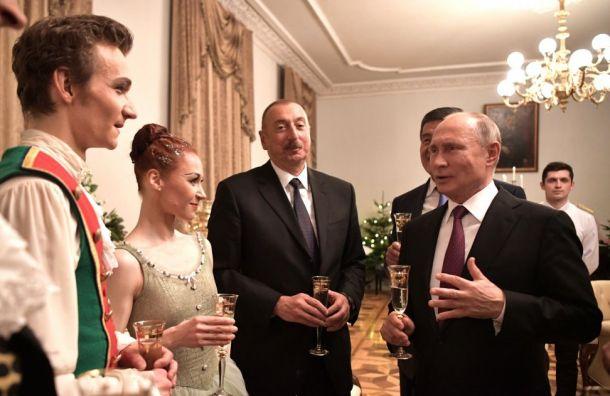 Путин обсудит вПетербурге вопросы культуры