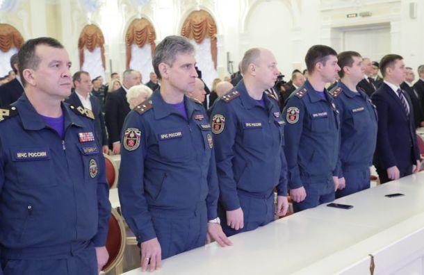 Спасателям ипожарным Петербурга вдва раза увеличат финансирование