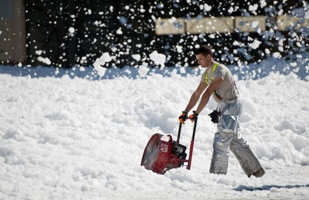 Петербург занял второе место повостребованности услуг поуборке снега