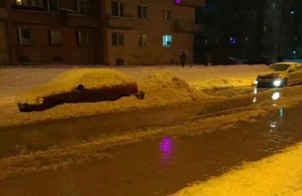 Прорвало трубу наЧебышевской улице