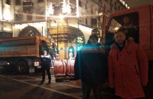Беглов ночью лично проверил качество уборки снега вПетербурге