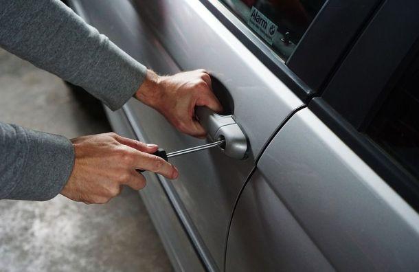 Ранее судимый петербуржец угнал лизинговый автомобиль