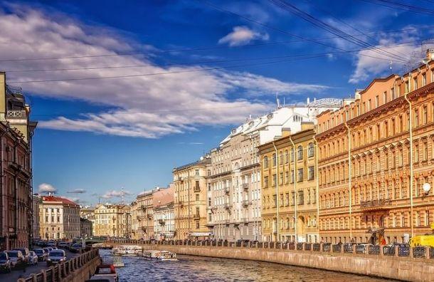 Петербург попал втоп-3 туристических направлений вРоссии