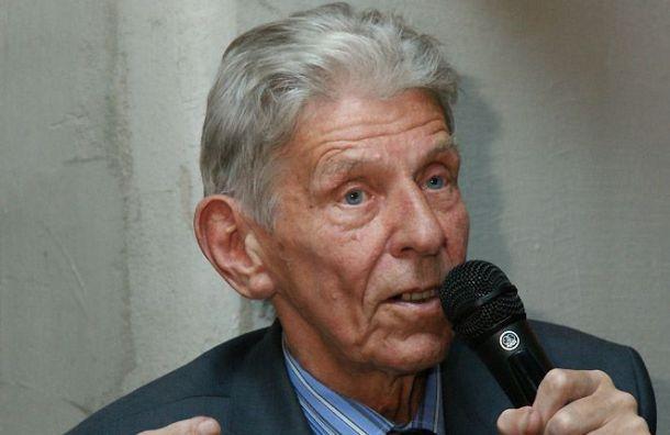 Умер петербургский литературовед Борис Аверин