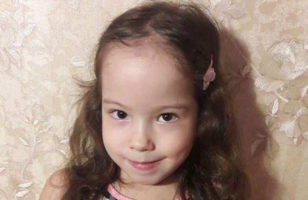 Четырехлетней Лизе нужна операция