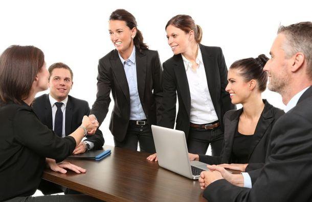 Загод количество вакансий вПетербурге увеличилось на24%