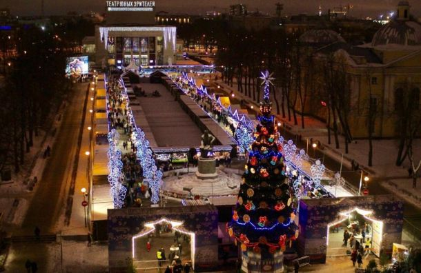 7января завершила свою работу XIII Рождественская ярмарка вСанкт-Петербурге