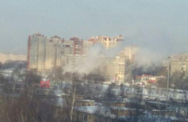 Жильцы дома наБелградской улице рассказали опрорыве трубы
