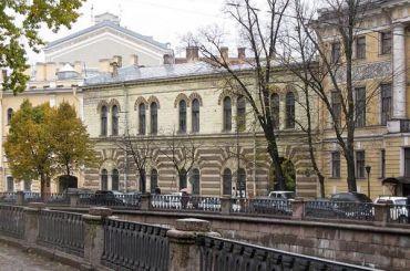 Неизвестные обещали взорвать Музей искусства вПетербурге