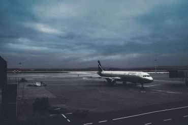 Три самолета непопали вПулково из-за сильного ветра