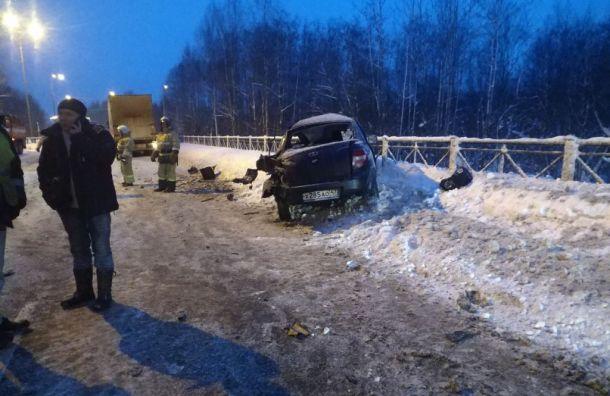Водитель «Лады» пострадала ваварии слесовозом вЛенобласти