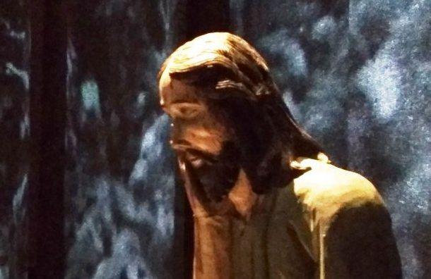 Выставка «Христос втемнице» открылась впетербургском «Манеже»