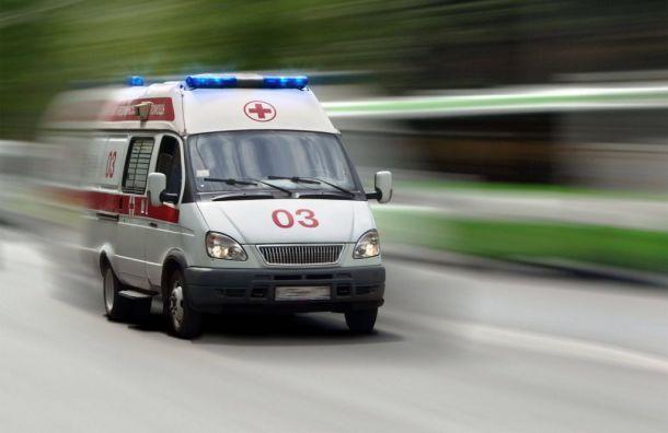 Петербуржец ударился головой отроллейбус ипопал вбольницу