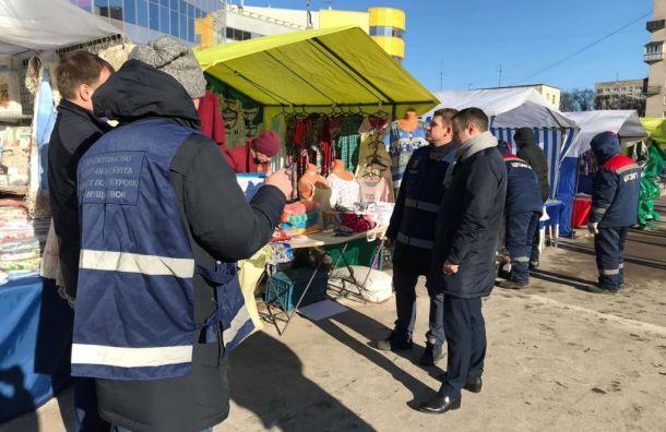 Смольный снес торговые палатки устанции «Проспект Ветеранов»