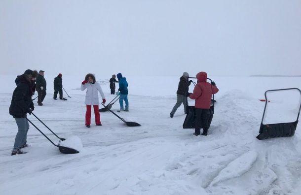 Снегопады помешали возведению домиков для нерп