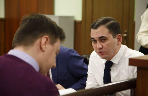Петербургские активисты заплатят завытоптанные газоны 7,3 млн рублей